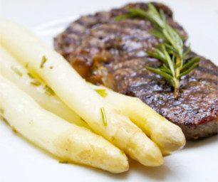 Steak mit Spargel